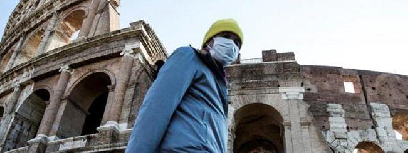 La tercer ola de Covid-19 llega a Italia y se disemina en las escuelas